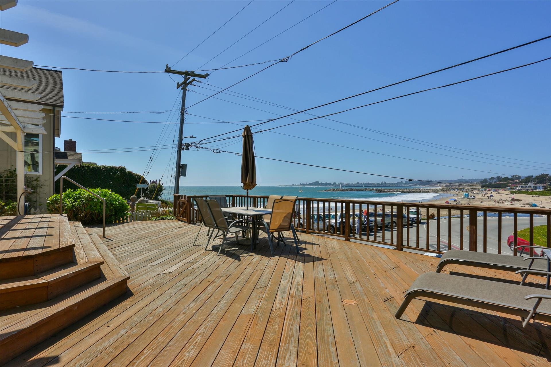 Yellow Beach Cottage Vacation Rental Homes In Santa Cruz